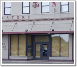 Aggie bookstore shows classic 'Aggie engineering' when preparing for Hurricane Rita