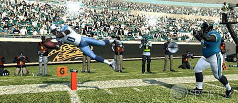 Vince Young dives for the TD in Madden 09