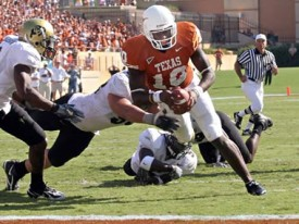 Vince Young scores against Colorado