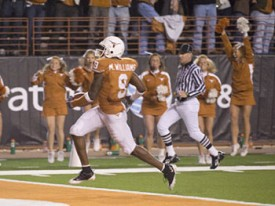Texas WR Malcolm Williams broke the game open with a 68 yard TD catch. (Image: MBTF)