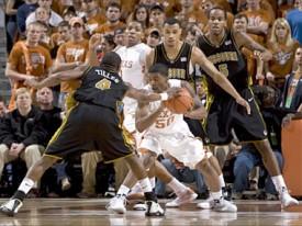 Varez Ward and the entire Texas team struggled against Missouri